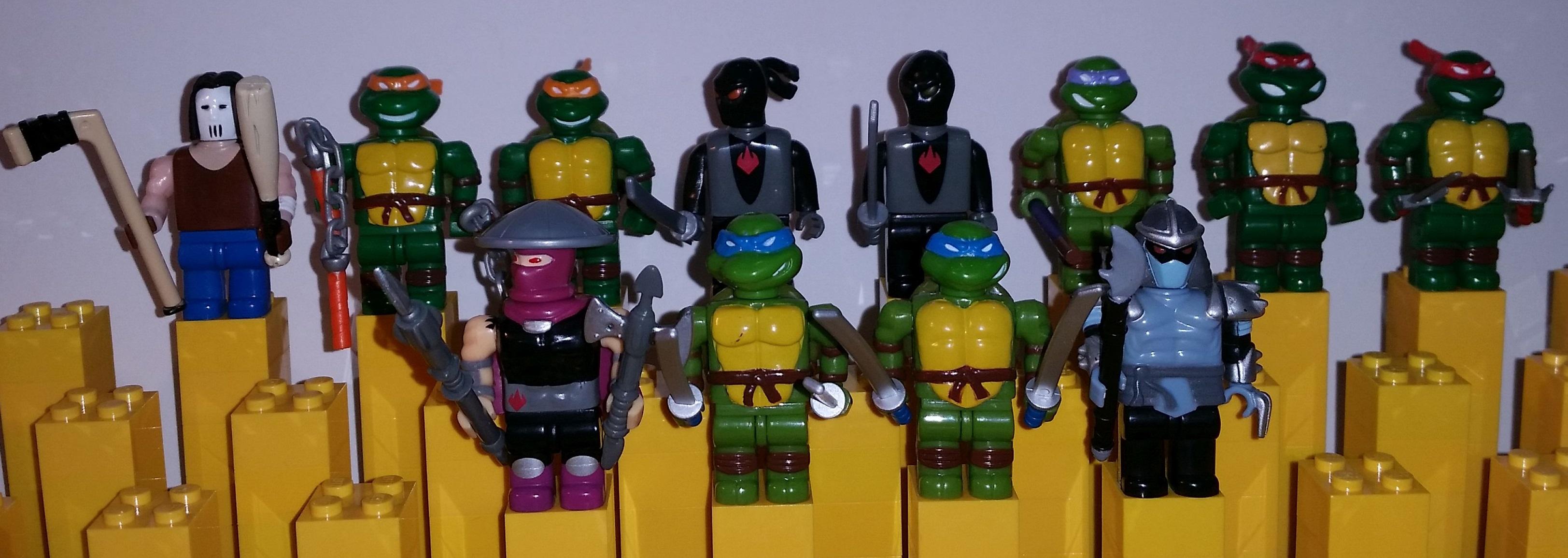 Complete Collection Of All Original Mega Bloks Teenage Mutant Ninja Turtles Megabloks From Early 2000 S Minifigure Price Guide