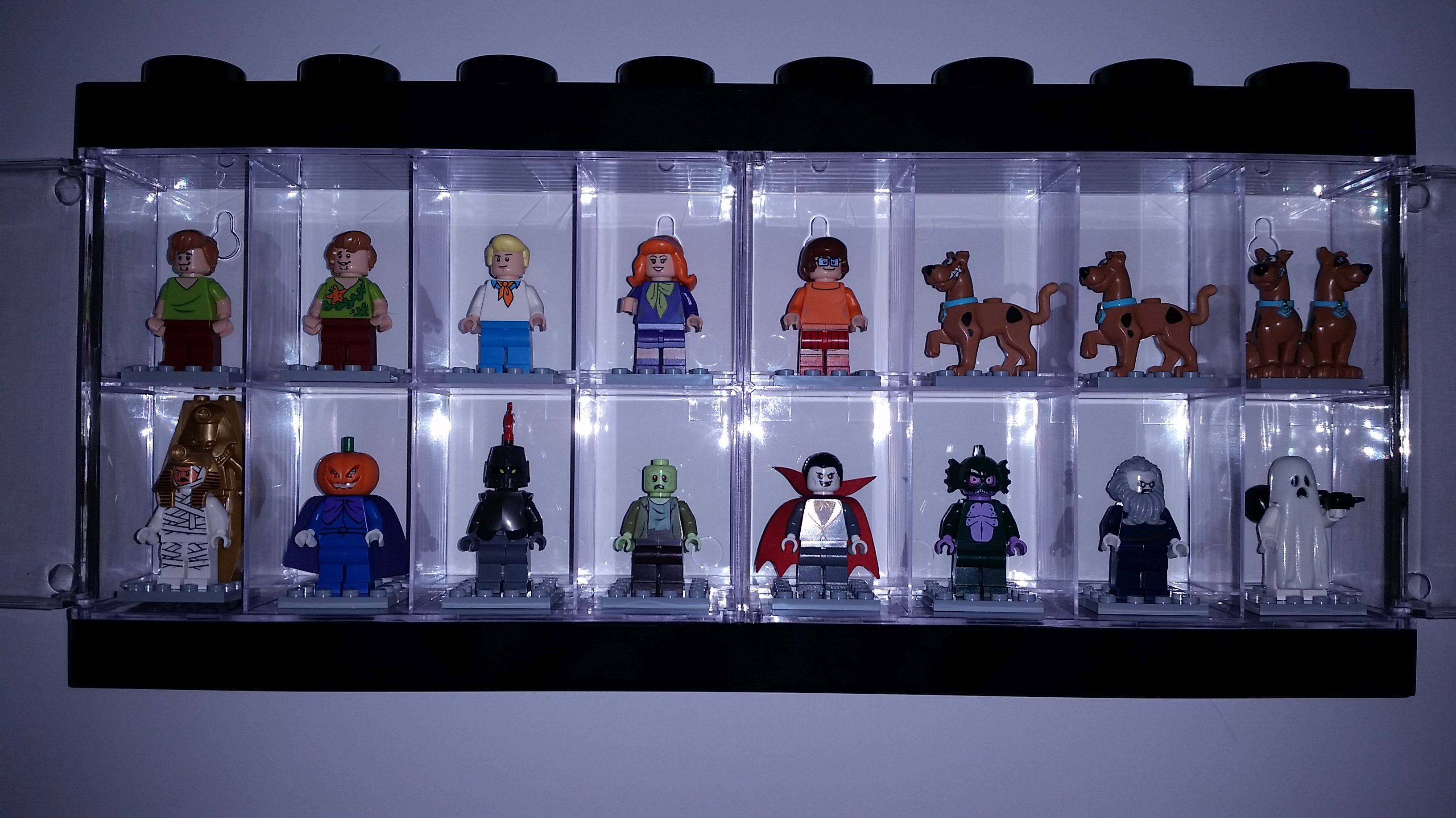 SDCC Lego Minifigure Acrylic Display Case