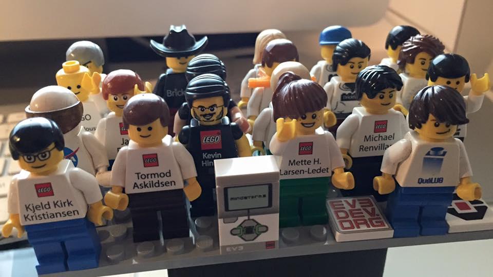 Lego Employee Minifigures Linkedin Style from Marc-Andre Bazergui aka bazmarc
